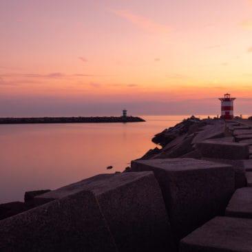 scheveningen-lighthouse-sunset